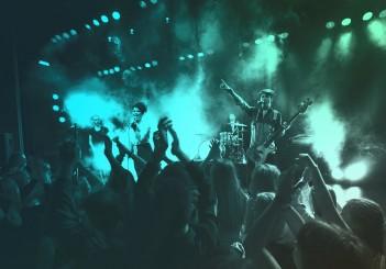 Exklusive Unterhaltung mit über 50 Millionen Songs: Streaming-Dienst TIDAL ist ab 2018 in Fahrzeugen von Mercedes-Benz verfügbar