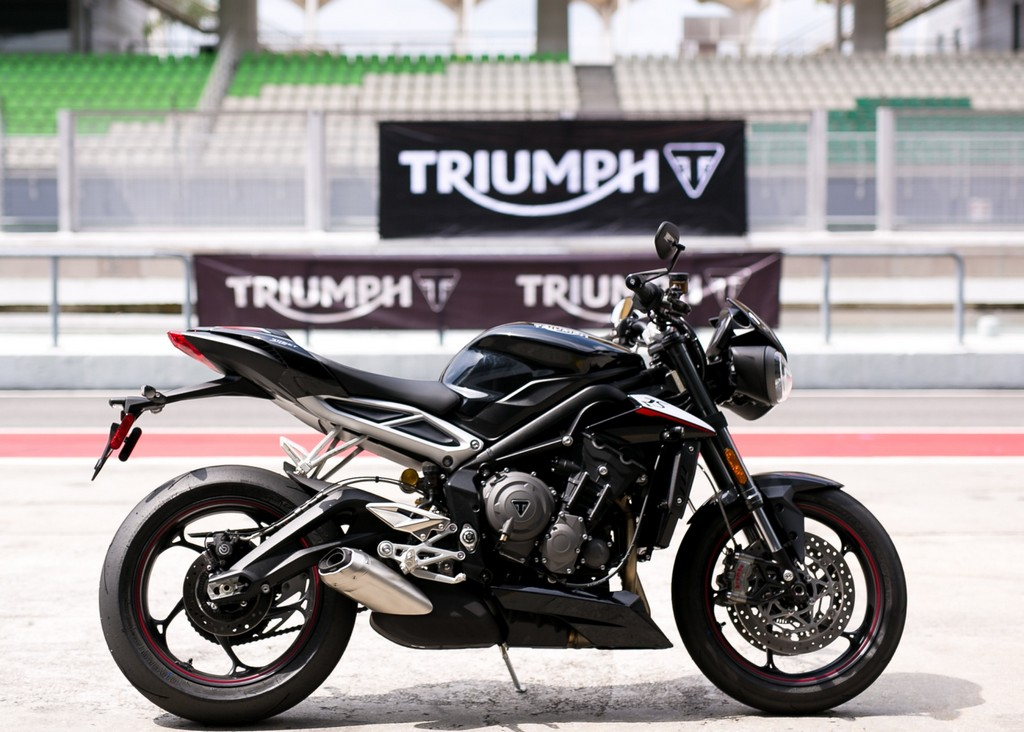 Triumph Street Triple RS_2